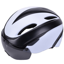 цена на 2019 MTB road bike helmet integrated magnetic goggles 15 Air Vents Safety bicycle helmets for men and women cycling helmets
