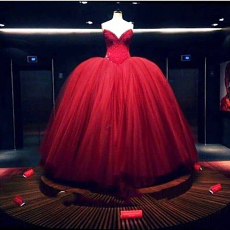a83ede4e918 SoDigne Gothic Victorian Prom Dress Ball Gown Evening Dress Long Red Beaded  Luxury Party Gown vestidos de formatura-in Prom Dresses from Weddings    Events ...