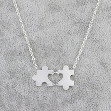 все цены на GORGEOUS TALE 10Pcs Geometric Puzzle Piece Necklace Gold Plated Hollow Out Heart Shape Pendant For Wedding Bridesmaid Jewelry онлайн