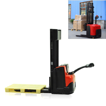 цена на 1/24 BT LEVIO Forklift and BT STAXIO Pallet Truck Forklift Model Metal Electric Car Simulation Engineering Transport Vehicle