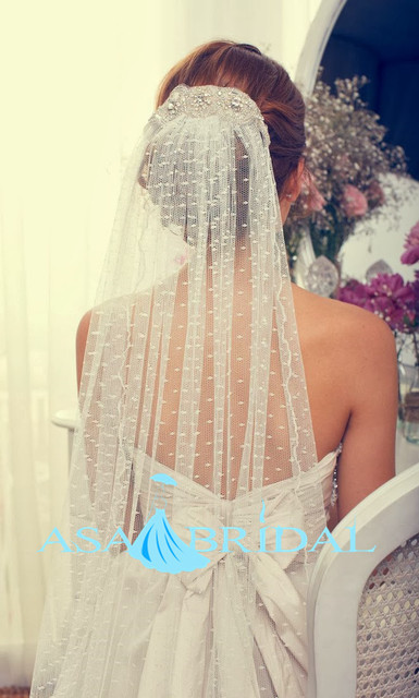 2015 Cheap Cathedral Length Long White Ivory Bridal Veils With Crystals Lace Edge Wedding Accessories Veu de Noiva