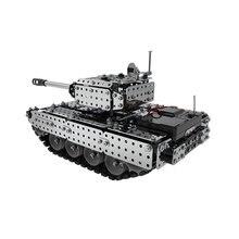 952 шт 2,4G RC Военный танк DIY сборный набор из нержавеющей стали пульт дистанционного управления модель игрушки встроенный 3,7 V 300MAh литиевая батарея