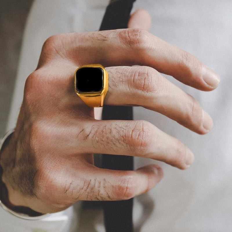 威厳のあるブラックカーネリアンステンレス鋼ゴールデンスクエアシグネット男性小指リング男性富と豊富な状態ジュエリー