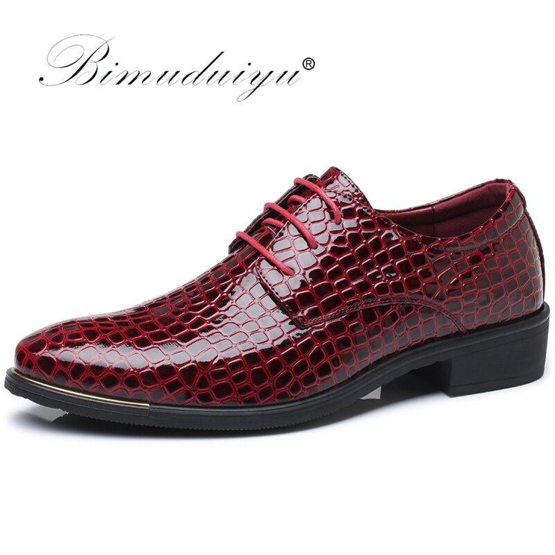 все цены на BIMUDUIYU Crocodile Pattern Leather Men's Wedding Shoes Italian Luxury Dress Shoes Men Business Fashion Formal Shoes Plus Size онлайн