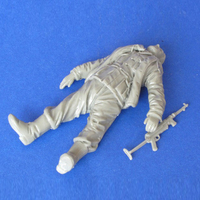 1/35 resin figure soldier model wounded soldier in World War II GK white model hand 90