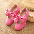 2016 Crianças de Moda Quente Sapatos Venda Por Atacado Sapatos De Couro das Crianças Único plano Bonito Meninos Meninas Casual Tamanho 21-30 Cor Do Bebê Top