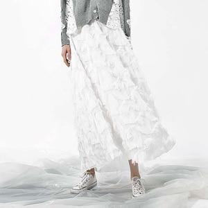 Image 5 - [EAM] 2020 אביב חדש אופנה שחור לבן גדילים תפרים גדול מטוטלת ארוך סוג חצי גוף חצאית נשים YC237