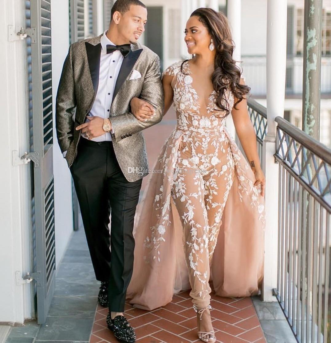2019 Jumpsuits Wedding Dresses Sheer Deep V Neck Beach Bridal Gowns Detachable Train Appliqued Lace Bohemian Vestido De Novia