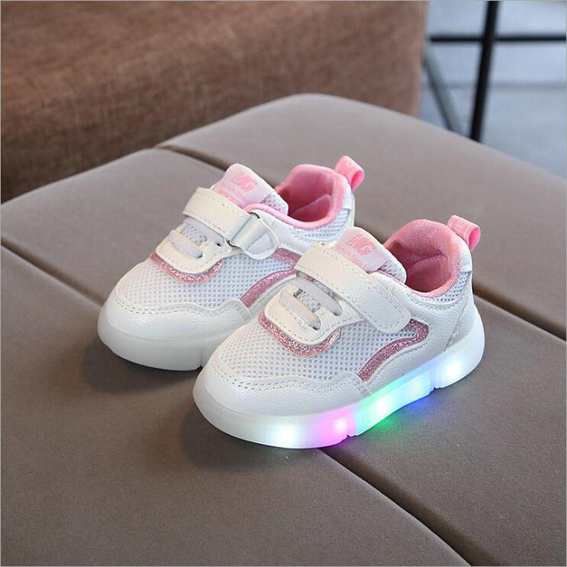 New fashion kids glowing sneakers with LED light girls boys infant tennis solid cute footwear Children casual shoes size 21-30New fashion kids glowing sneakers with LED light girls boys infant tennis solid cute footwear Children casual shoes size 21-30