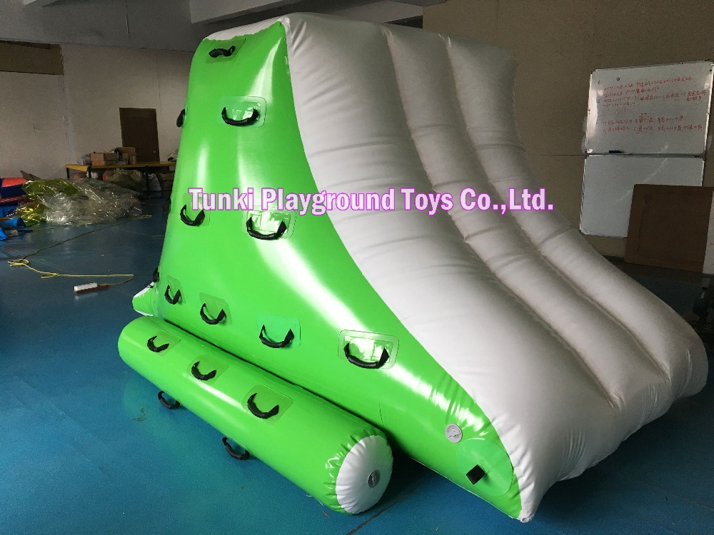 Small inflatable Water IcebergSmall inflatable Water Iceberg