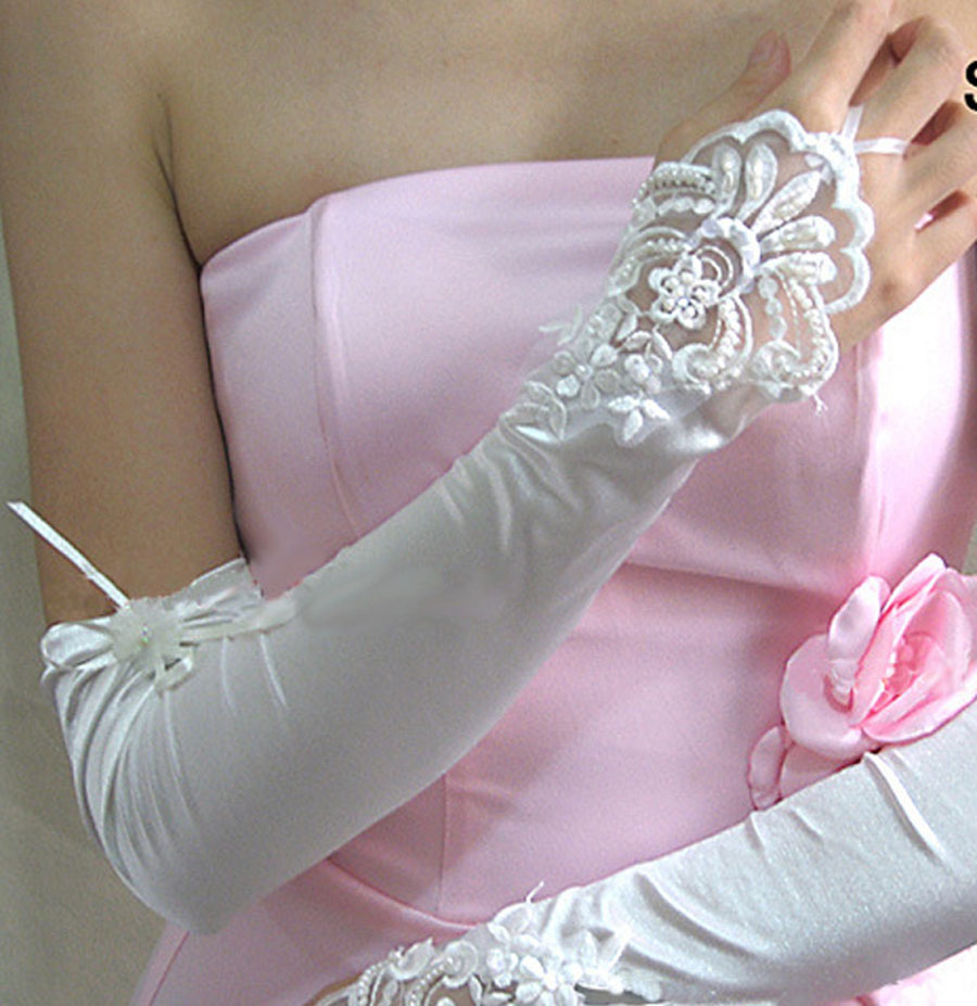 2018 Woman Bridal Gloves White Lace Appliqued Beaded Elbow Longth Wedding Gloves Bridal Accessories