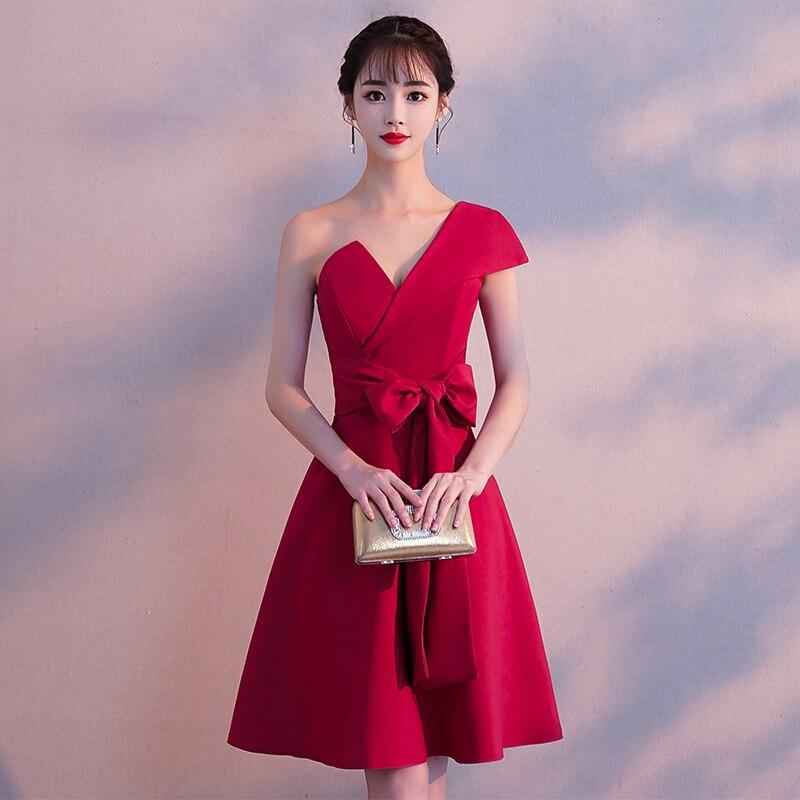 Une épaule chinois robe De bal femmes Qipao bourgogne col en v robes De Festa Sexy Vintage exquis grand arc robe De soirée