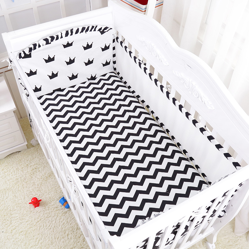 5 Pcs Hot Classic Crown Design Four Season Baby Breathable Bedding Set Quality Crib Linens Include Air Mesh Bumpers Sheet