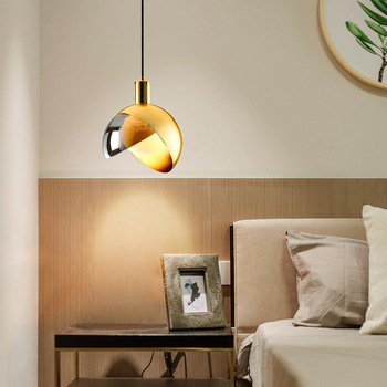 Ō�欧の高級小ハングランプリビングルームシンプルなアメリカンスタイルのペンダント照明ポストモダン寝室のレストランランプ