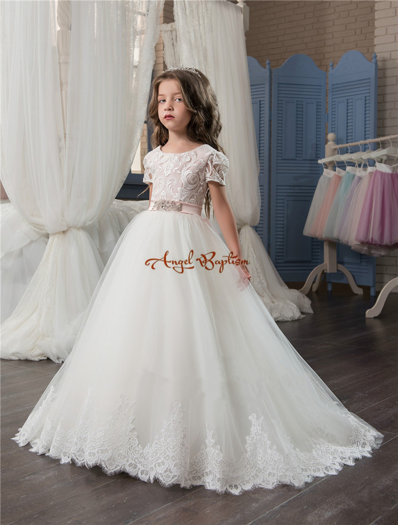 2018 New Arrival white Lace ball gown Flower Girls' Dresses Crew Neck appliques with train bow holy communion dresses for girls 2018 new princess mint and white flower girls dresses sheer crew neck appliques bead formal girl s pageant dresses with train