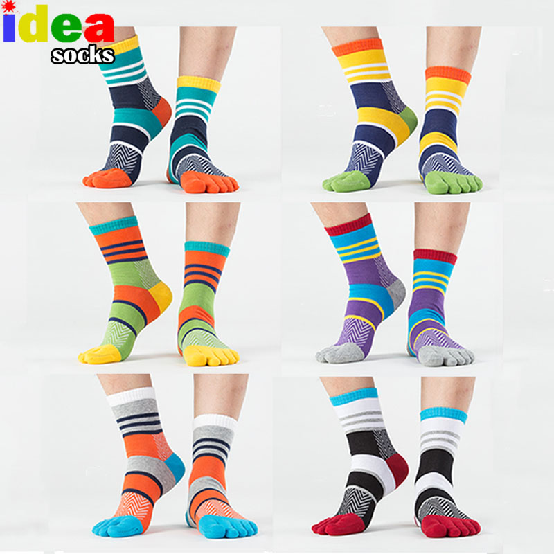 Ανδρικά καλοκαιρινά βαμβακερά toe κάλτσες ριγέ αντίθεση Πολύχρωμο συνονθύλευμα Άντρες Πέντε κάλτσες με δάχτυλα Δωρεάν μέγεθος Καλατίνες