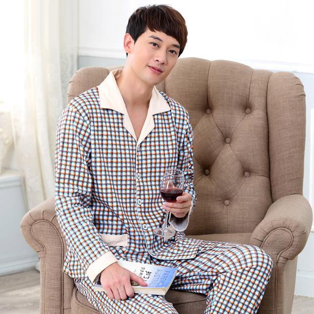 De alta Calidad de Los Hombres Pijamas Primavera Otoño de Manga Larga ropa de Dormir Pijamas de Los Hombres de Algodón A Cuadros Salón Conjuntos de Pijamas ropa de Noche 040