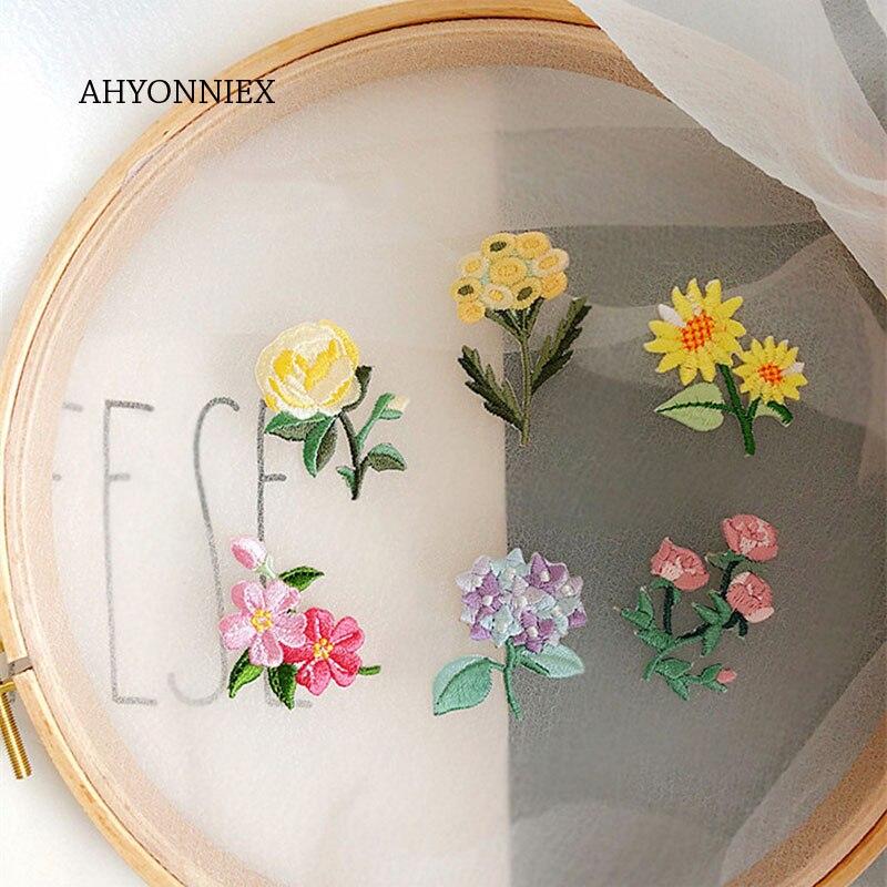 AHYONNIEX 10 stücke Rose Sonnenblumen Orchidee Raspberry Bestickt Patch für Kleidung Eisen Auf Blume Applique Jeans Kleidung Aufkleber