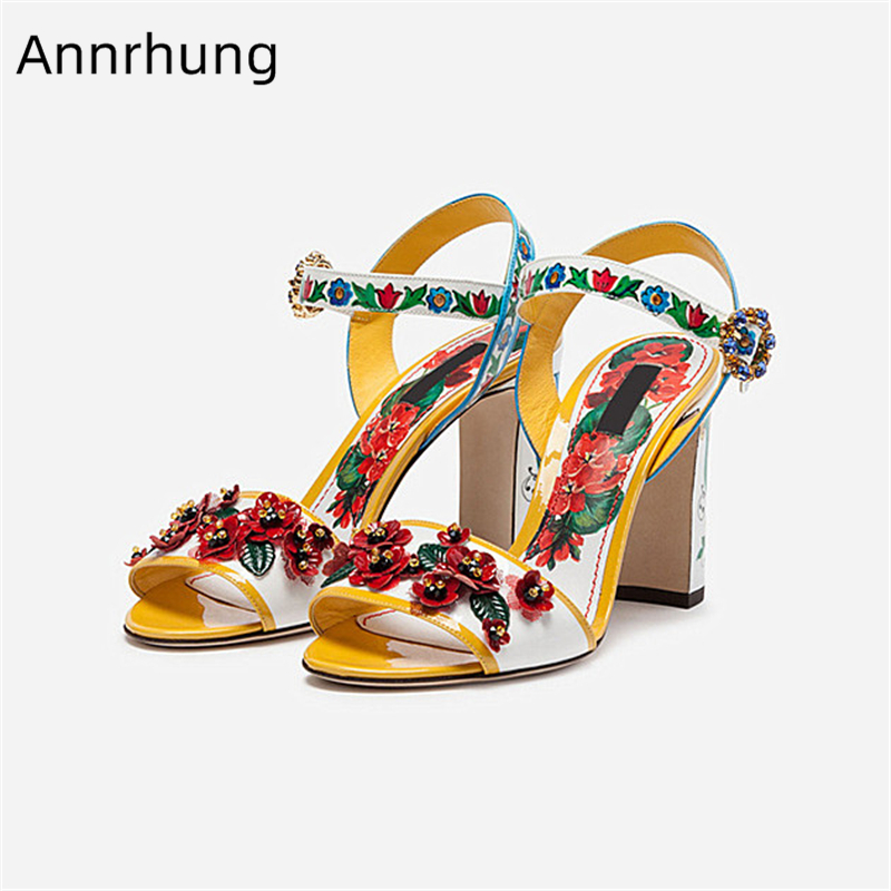 2019 kwiat drukuje wysokie obcasy sandały kobiety Chunky blok obcas buty z wystającym palcem kryształki klamra pasek szpilki kwiatowe buty ślubne w Wysokie obcasy od Buty na  Grupa 1