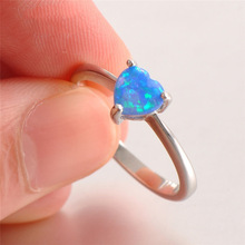 Luxury Opal Stone Fashion Rings for Women Heart Blue and White Simple Ring Jewelry