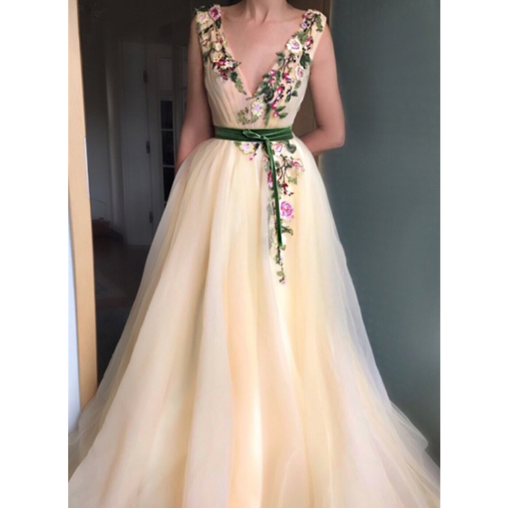 Champagne Evening Dresses Tulle With Colorful Lace V Neck A Line Floor Length Long Elegant Prom Gowns 2019