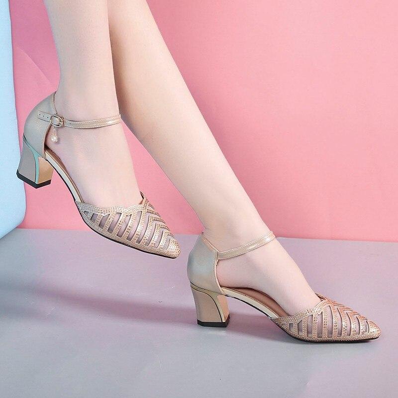 Ayakk.'ten Kadın Pompaları'de Ho Ağır Ayakkabı Kadın Konforlu Pompaları Kadın Moda Eğlence Havalandırma Toka Kayış Ayakkabı Kare Med Topuk Sivri Burun Bayan Pompaları'da  Grup 1