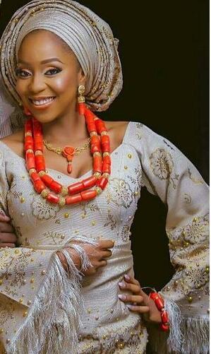 Ensemble de bijoux de corail de luxe pour dame mariage africain perles de corail cadeau de mariée Dubai or femmes bijoux fantaisie ensemble 2018 CNR047