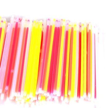 Glow Sticks Bulk 300 Count/pcs 8 inch Brand Premium Glow In The Dark Light Sticks Makes Tons of Glow Necklaces and Glow Bracel фото