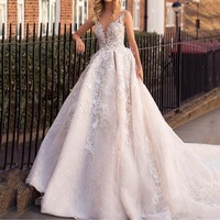 Romantic Luxury Lace Appliques Wedding Dress 2020 Sexy Illusion Back Sleeveless Wedding Bridal Gowns robe de mariee