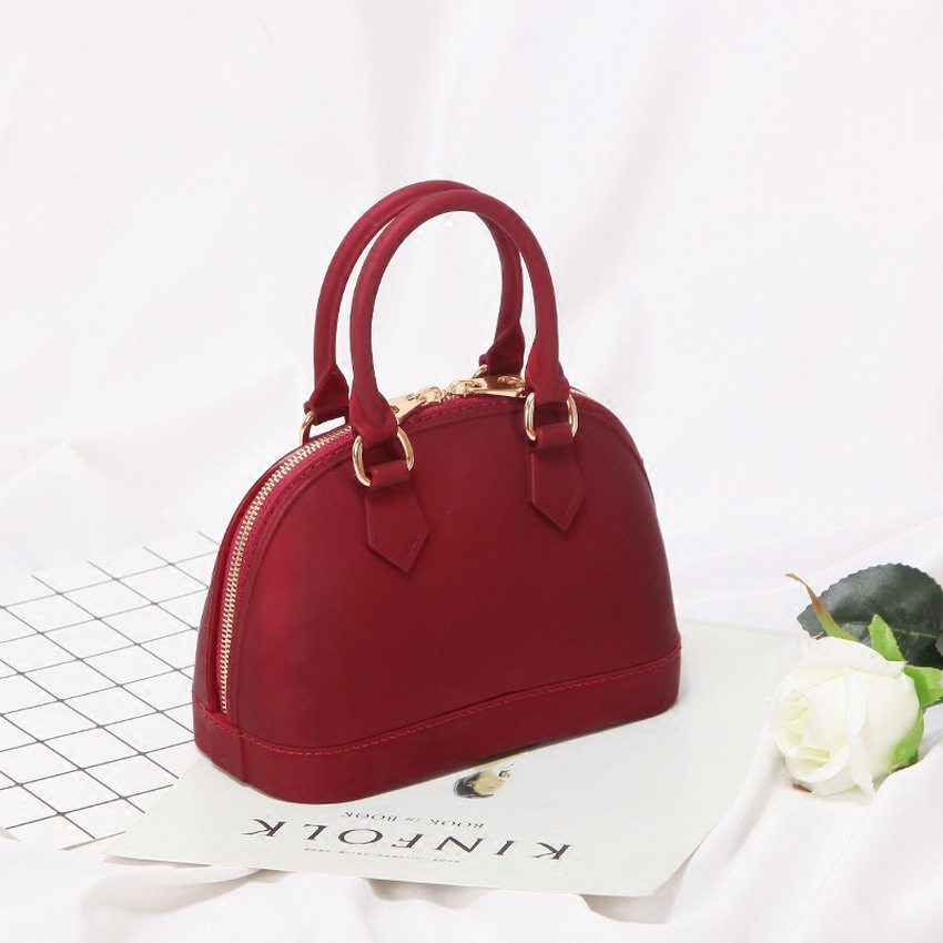 Image 3 - 2019 New Silicone Summer Sweet Candy Jelly Shell Handbags Women Casual Tote Bag Ladies Crossbody Shoulder Beach Bags Girls Bolsa-in Shoulder Bags from Luggage & Bags