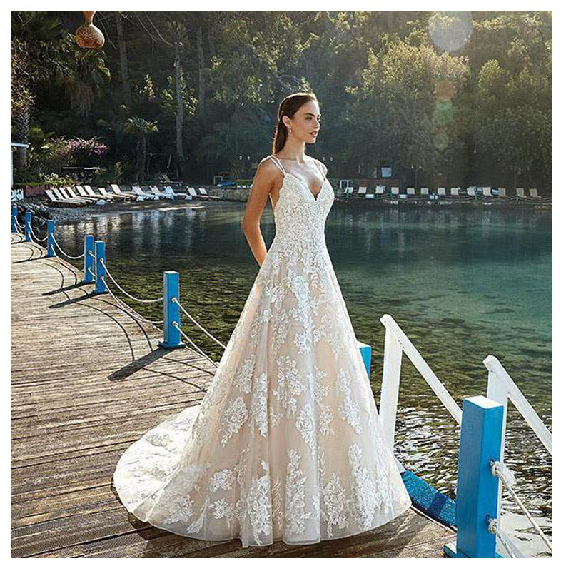 Embroidery Wedding Dresses 2019 Luxury Bridal Dress Marriage Vestido De Noiva Deep V neck Bride Tulle Wedding with Pearls