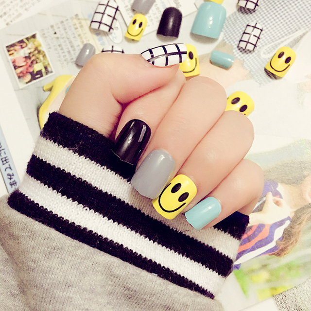 24PCS finished manicure yellow smiley face Lovely nail strips fake ...