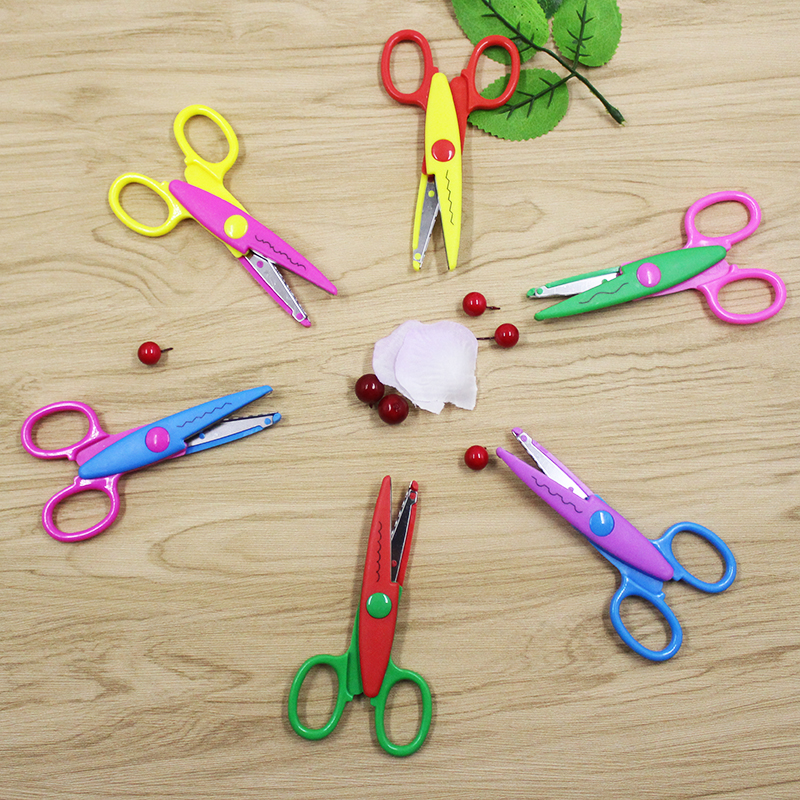 1 kinds of lace scissors DIY collage photos color plastic metal scissors paper outer diary decoration with 6 patterns to choose