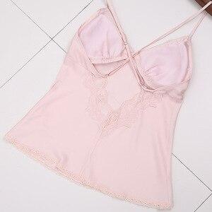 Image 5 - Panie Sexy satyna jedwabna zestaw piżamy koronkowa bielizna nocna zestaw moda odzież domowa dekolt nocna szlafrok + Top + spodnie 3 sztuk dla kobiet