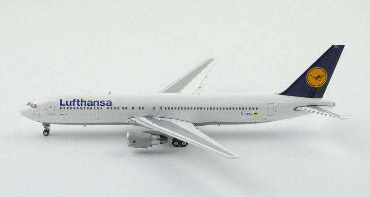 Fine Ph enix 1: 400 04067 Lufthansa B767-300ER D-ABUC Alloy aircraft model Collection model Holiday gifts fine special offer jc wings 1 200 xx2457 portuguese air b737 300 algarve alloy aircraft model collection model holiday gifts
