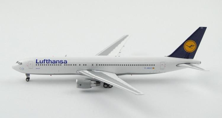 цена Fine Ph enix 1: 400 04067 Lufthansa B767-300ER D-ABUC Alloy aircraft model Collection model Holiday gifts онлайн в 2017 году