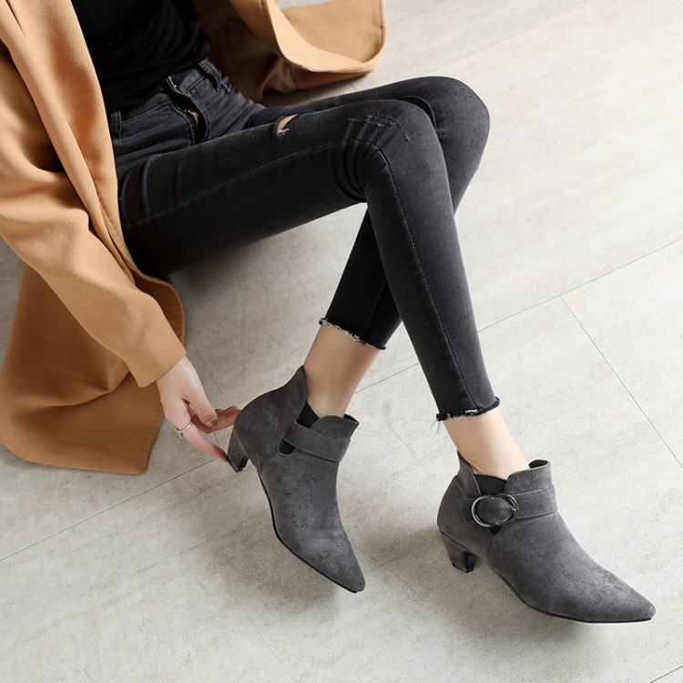 Big Size 11 12 13 14  15   Heavy-heeled Shoes Womens Pointed Shoes Suede Mid-heeled Martin BootsBig Size 11 12 13 14  15   Heavy-heeled Shoes Womens Pointed Shoes Suede Mid-heeled Martin Boots