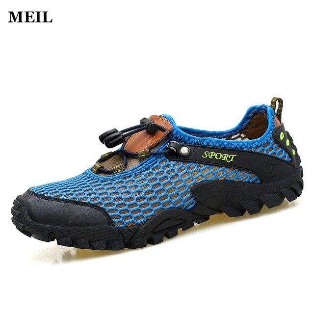 20e5168ab أحذية الرجال الصيف تنفس المشي أحذية جلدية 2017 في شاطئ الصنادل للرجال  الصنادل المياه