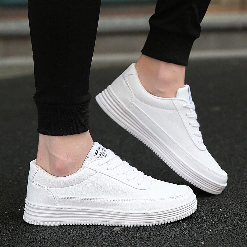 נעלי ספורט לגברים נעלי גופר פשוט עגול הבוהן נעליים יומיומיות Mens לבן יומי הנעלה זכר גדול גודל 36-47 אופנה walkerpeak