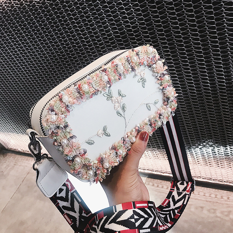 Lace Embroidery Women bag 2018 New High Quality PU Leather Womens Designer Handbag Wide Strap Shoulder bag Sweet Lady Pearl bag
