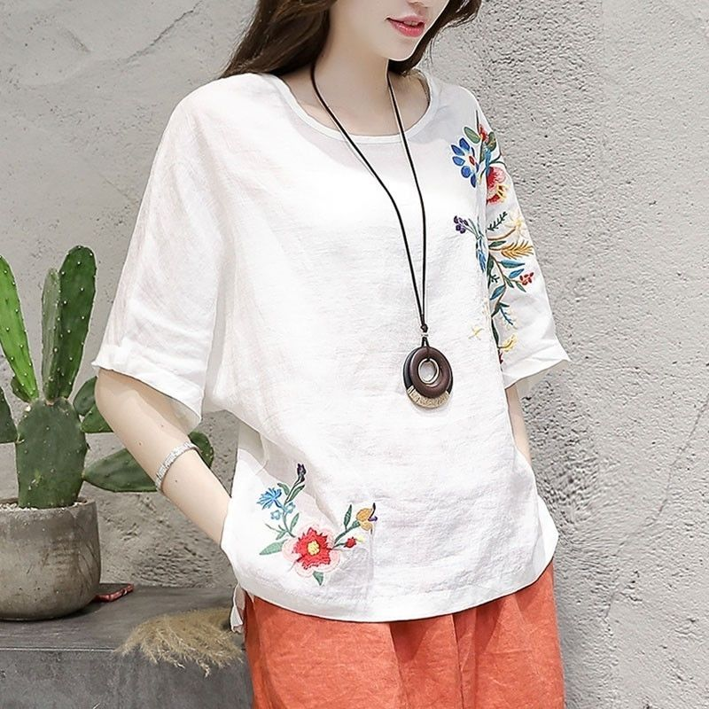 Ethnic 100% Cotton Floral Embroidery Blouse Women Batwing Sleeve Loose Summer Tops O Neck Vintage White Tees Ladies Clothes