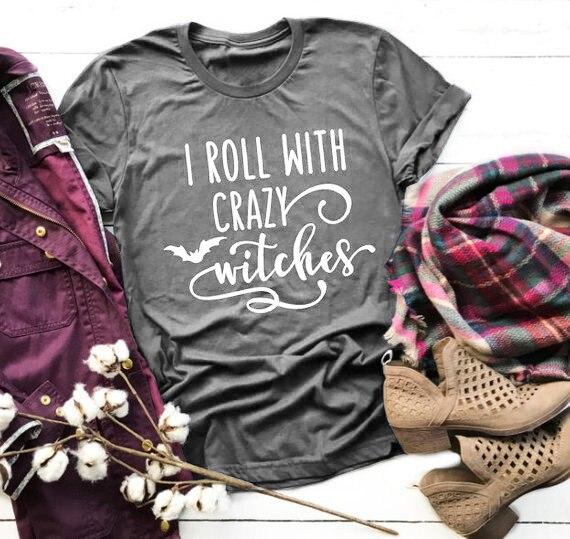 I Roll Con I Crazy Streghe delle Donne della Camicia di Abbigliamento Autunno Abbigliamento tees grafici di Halloween divertente regalo di festa per Lei unisex camicia della parte superiore