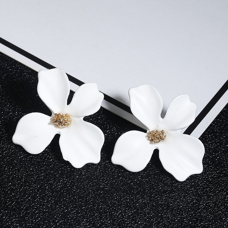 Korean Cute Small flower Stud Earrings For women fresh and sweet Statement Earring Girl 2019 Fashion Jewelry