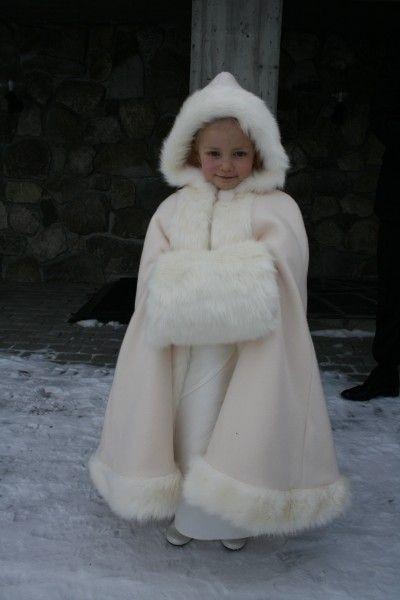 цена на Ankle Length Hooded 2016 Girls Cape Wedding Cloaks Faux Fur/satin Jacket For Winter Kid Flower Girl Shrug Outerwear Coats
