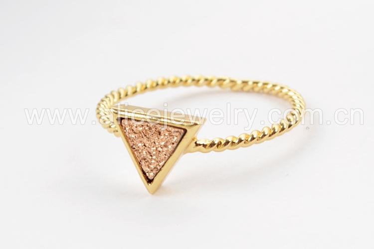 BOROSA 10PCS Gold Color Triangle Rainbow Drusy Rings, Mixed Colors Agates Titanium Rainbow Druzy Bezel Ring Women Jewelry ZG0290 9