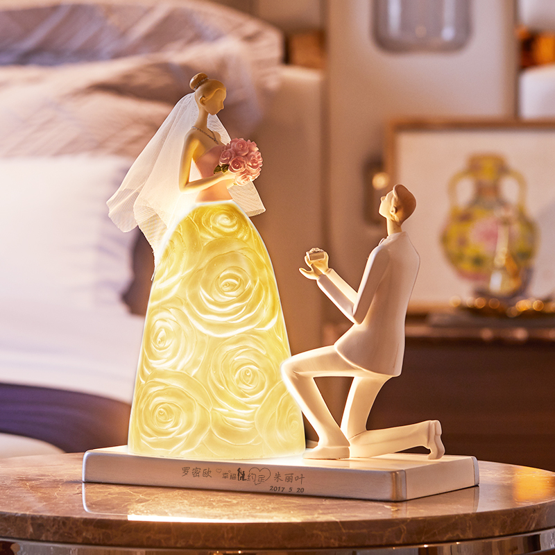 Modern Resin Table Lamp Lovers Holding A Diamond Ring To Propose Marriage Lamp For Bedroom Bedside Room Decor Lamp Wedding Gift