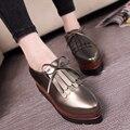 Новый конструктор женщины brogue обувь известная марка кисточкой туфли на платформе женщина лук лианы роскошный черный/серебристый бездельники женская обувь