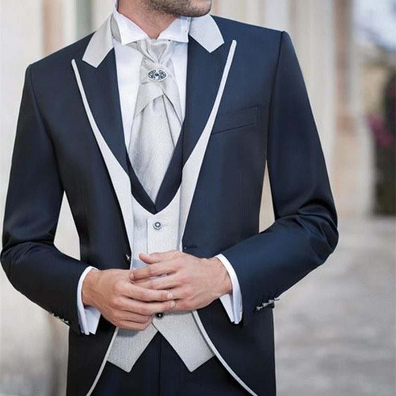 2017 new formal Ivory Men Suits Shawl Lapel Formal Groomsmen Best Man Wedding Tuxedos Blazer men suit (Jacket+Pants+Vest+Tie)