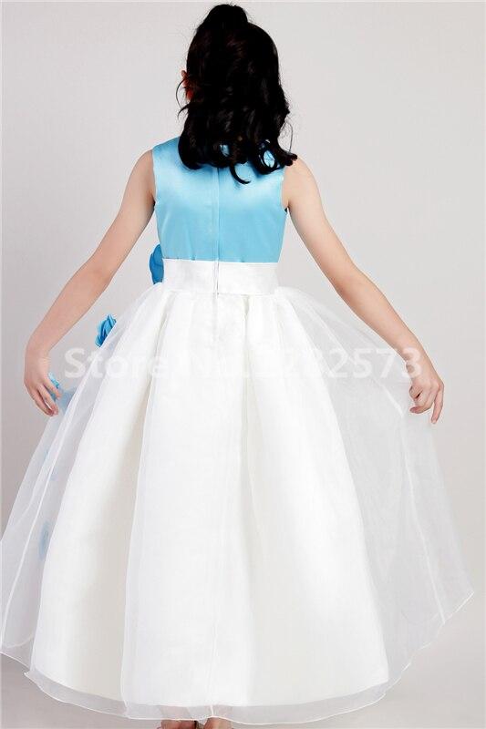 7bd00ebcfd4e3 Bleu clair Satin Fleur Fille Robes Pas Cher Simple Première Sainte  Communion Robes Petites Dames Robe Belle robe de daminha dans Fleur Fille  Robes de ...