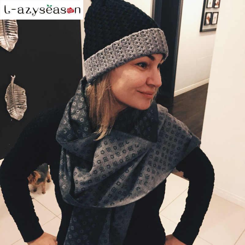 2018 Fashion Design Women Scarf Luxury Brand High Quality Neckerchief men  Winter Warm Soft Fringe Shawls e1e61bc9870